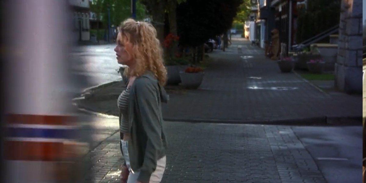 Terry Chaney (Amanda Detmer) – Annihilated by a bus Final Destination
