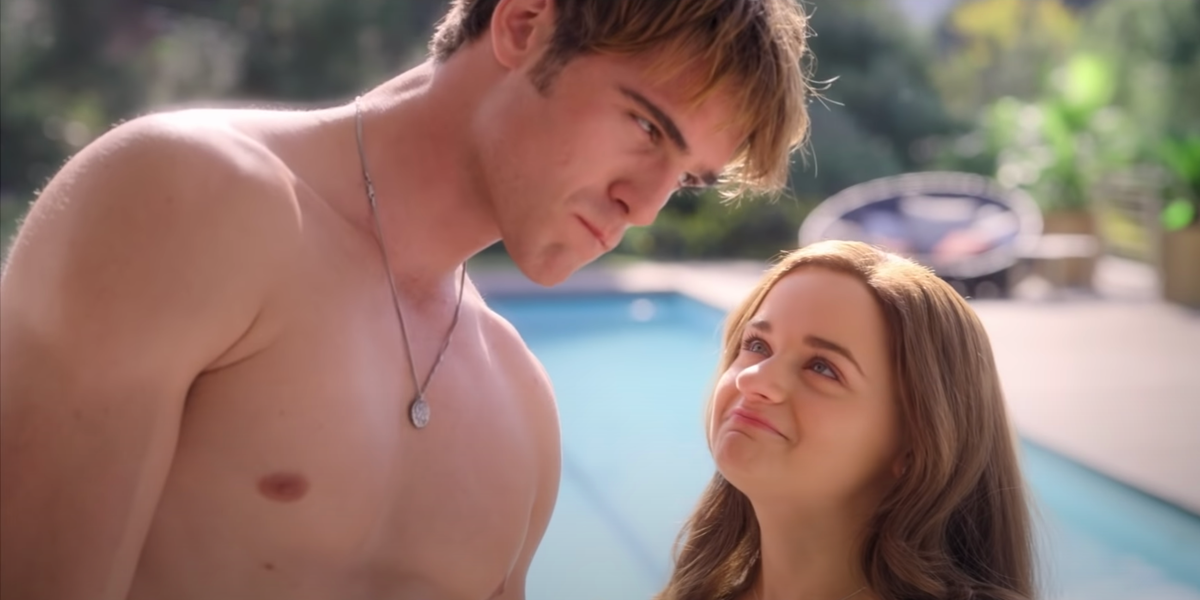 Still from the preview of The Kissing Booth 3