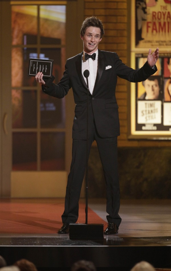 Eddie Redmayne accepting the Tony Award in 2010
