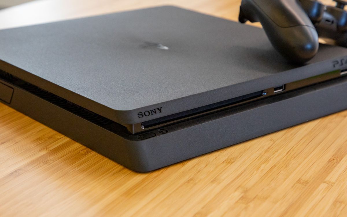 Insane Cyber Monday PS4 Deal: Console, Red Dead 2 and Controller for $199 (Update: It's Gone)