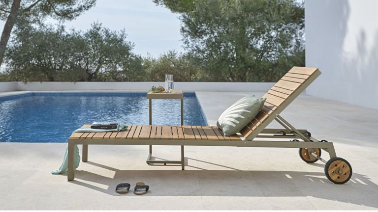 Best Sun Loungers 2021 - luxury sun loungers, the cheapest sun loungers, folding garden loungers and reclining chairs
