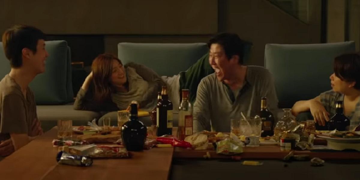 Song Kang-ho, Choi Woo-shik, Park So-dam, and Jang Hye-jin  in Parasite