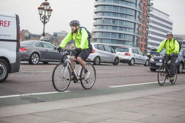 cycling_commuting_4850659