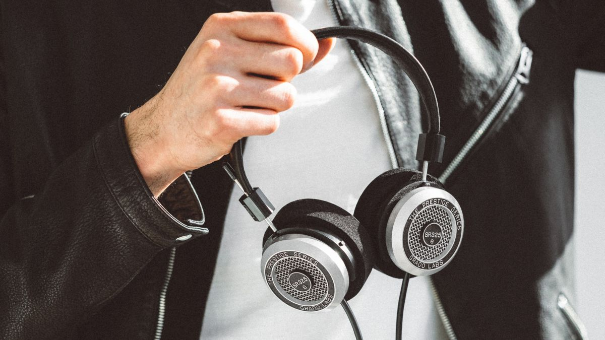 Best Wired Headphones The Best Wired Over Ear Headphones And In Ear Buds T3