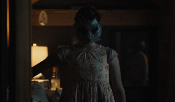 Ellie wearing mask Pet Sematary