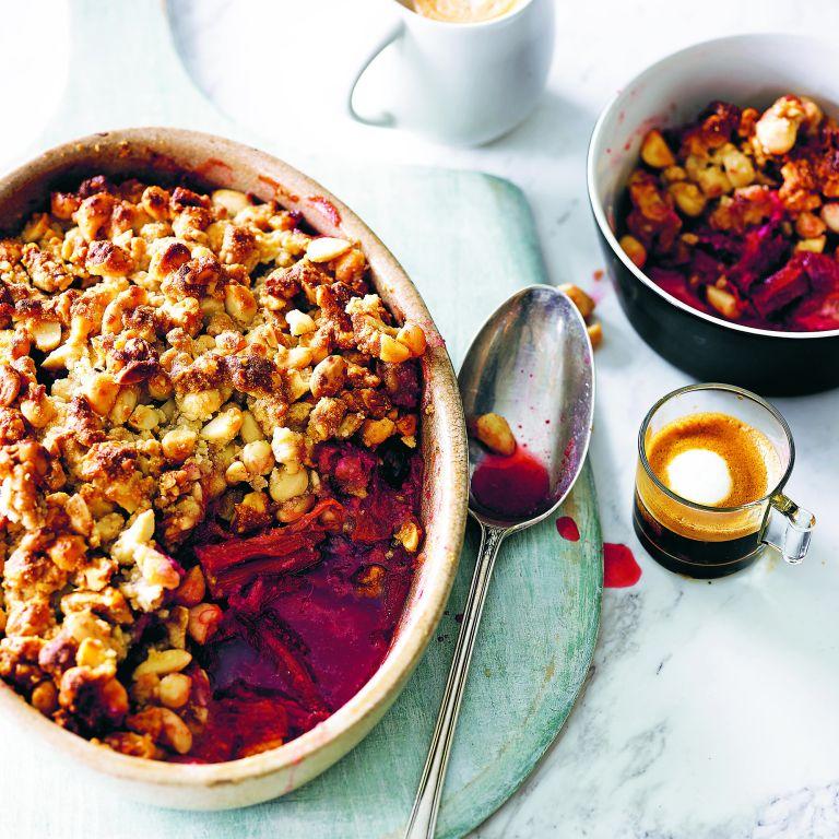 Honey and rhubarb nut crumble