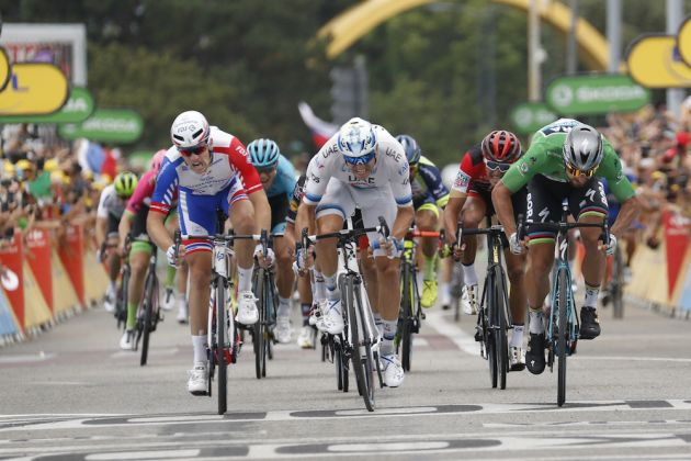 7be5c45a7  Everyone wants to sprint now   Peter Sagan overcomes  messy  finish to  claim third 2018 Tour stage win