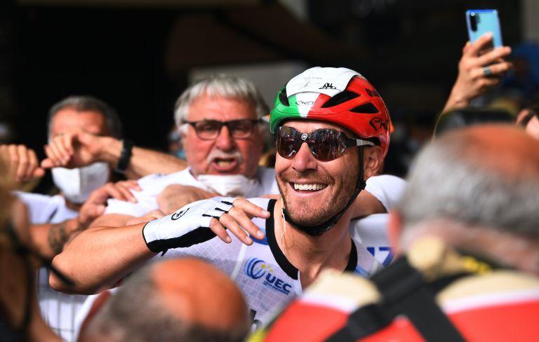 Giacomo Nizzolo celebrates his win at the Giro d'Italia