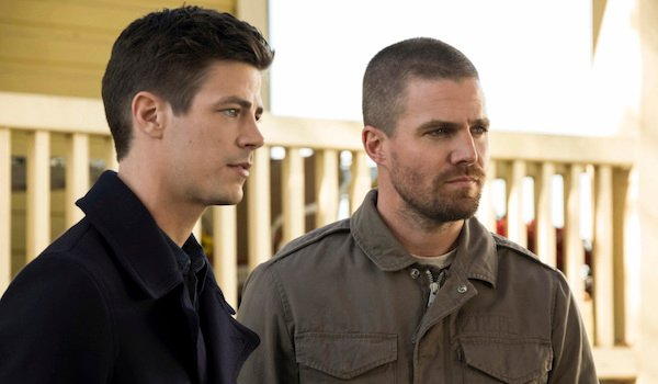 The Awesome Ways The Arrow-verse's Elseworlds Crossover Paid