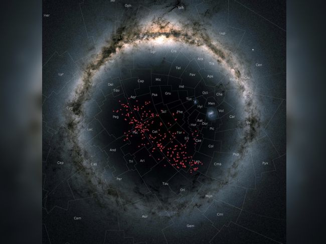 In this stereographic projection, the Milky Way curves around the entire image in an arc, with the newly discovered river of stars displayed in red and covering almost the entire southern Galactic hemisphere.
