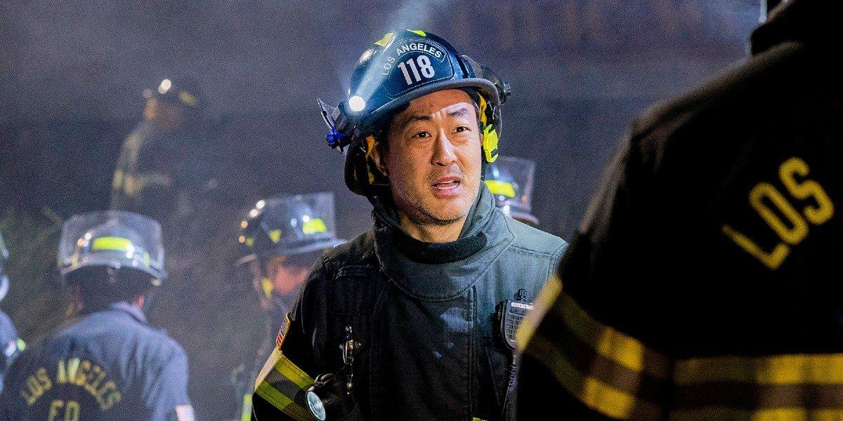 """Kenneth Choi as Howard """"Chimney"""" Han on 9-1-1"""