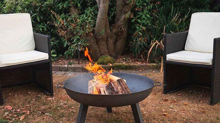 Amazon deal: Harbour Housewares Cast Iron Fire Pit