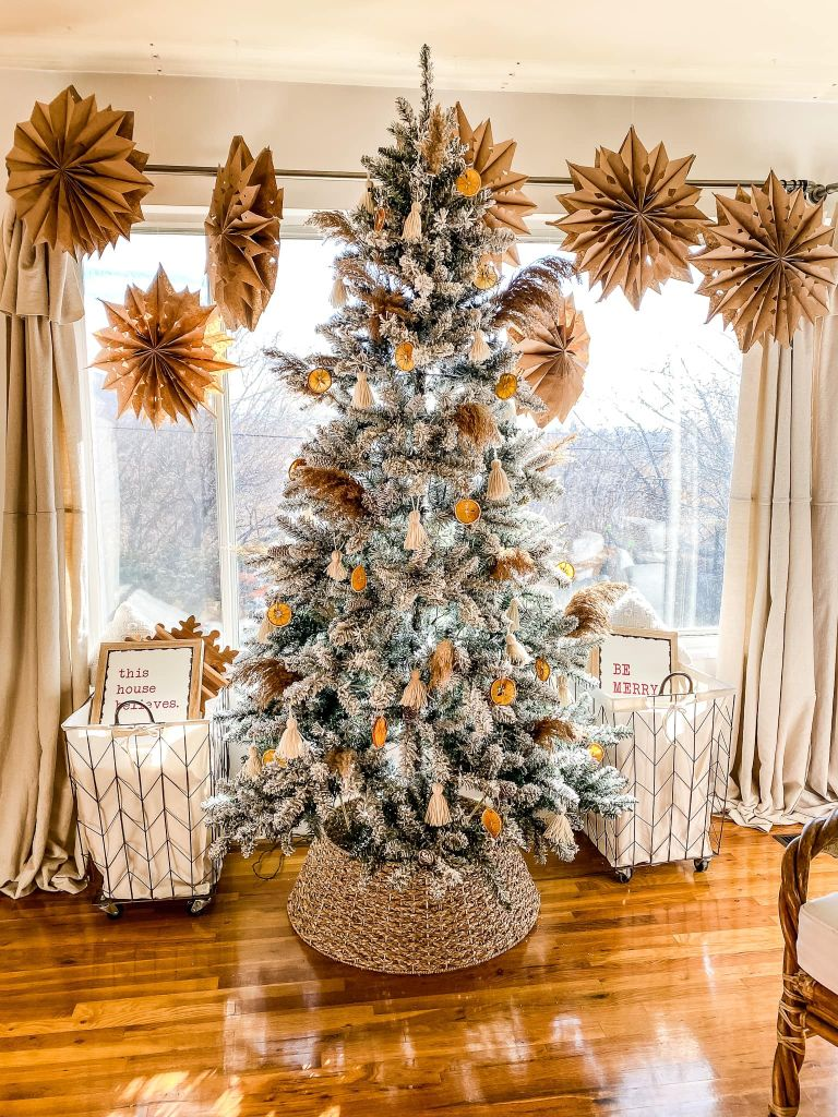 5 Farmhouse Christmas Tree Ideas To Steal From Our Favorite Rustic Homes Real Homes
