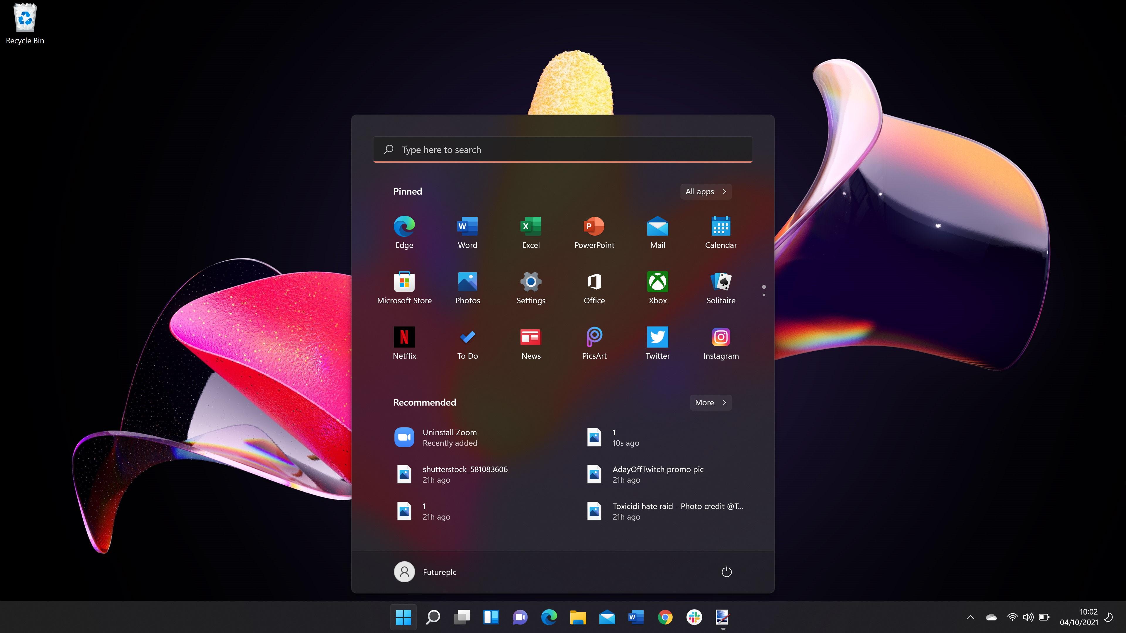 Windows 11 screenshot showing start menu in Dark Mode
