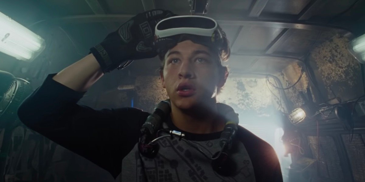 Wade Watts removing his visor in Ready Player One