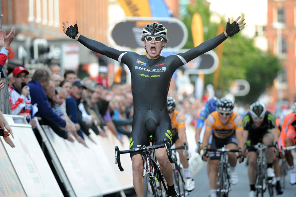 Scott Thwaites wins, Tour Series 2011, round 5, Stoke-on-Trent