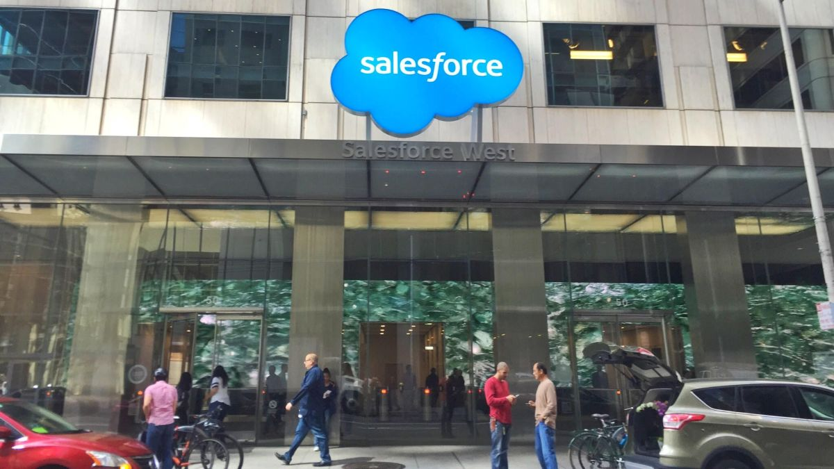 Salesforce launches manufacturing, consumer goods cloud platforms