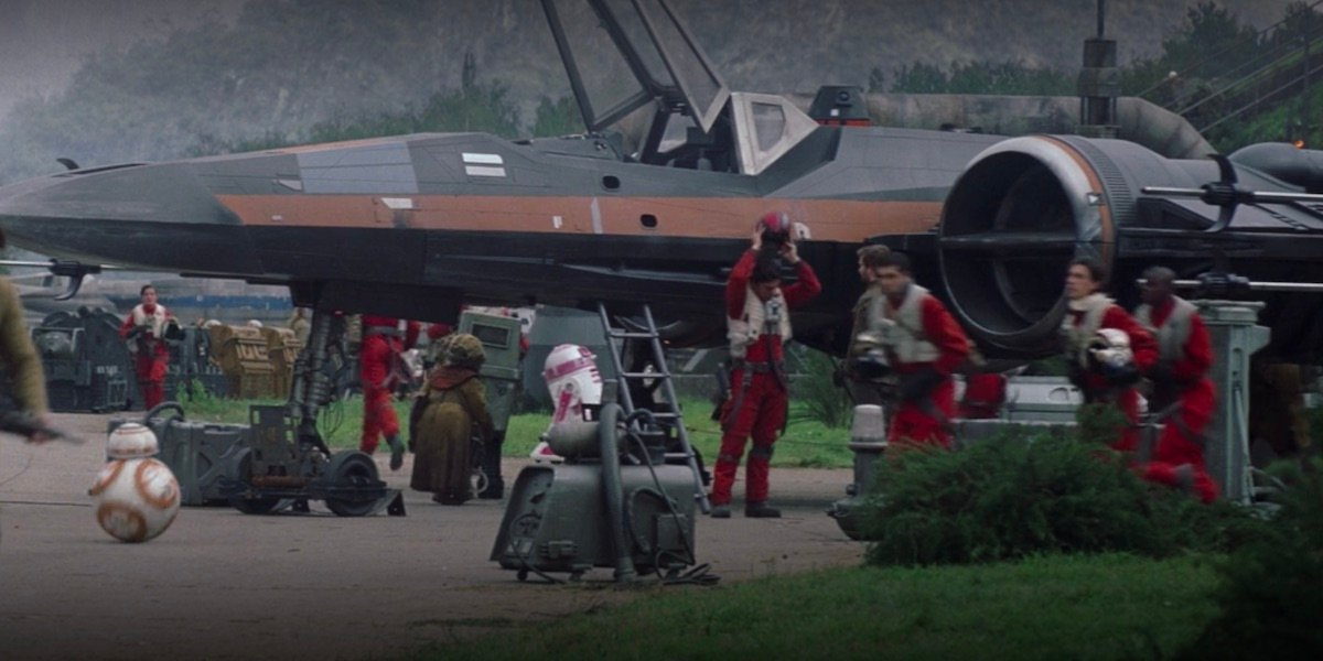 R2-KT in the background behind Poe's ship in Star Wars The Force Awakens