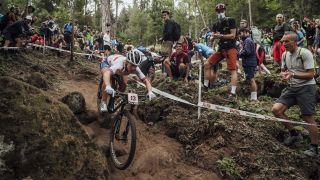 Evie Richards rides a technical downhill at the Val di Sole World Championships 2021