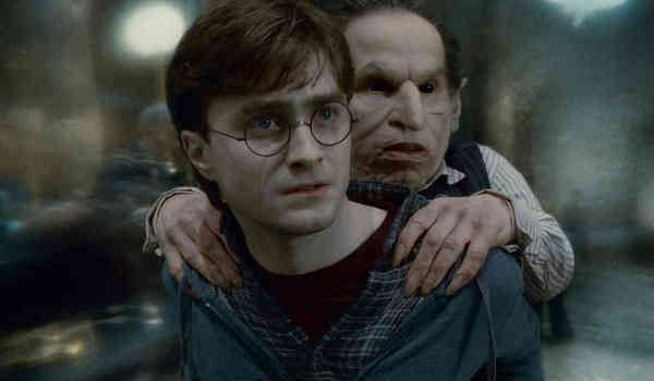 Daniel Radcliffe and Warwick Davis in Harry Potter