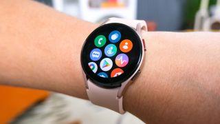 Samsung Galaxy Watch 4 Wear OS features