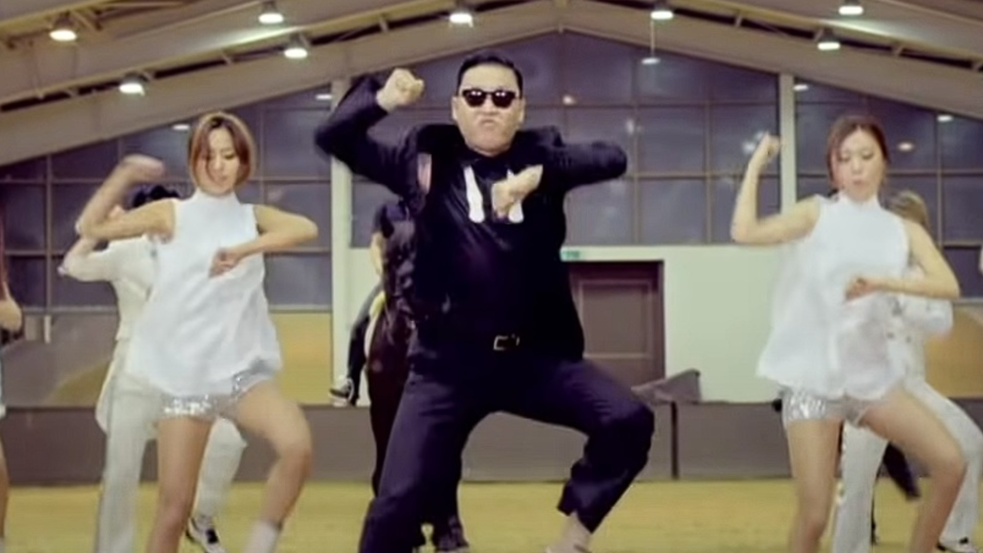 Fortnite is getting a Gangnam Style emote because I guess it's 2012 again
