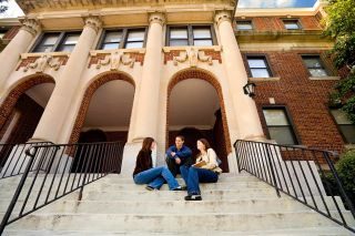 Micro Scholarship Resource Supports Aspiring College Students