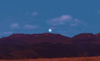 Spica Near the Moon, April 24, 2013