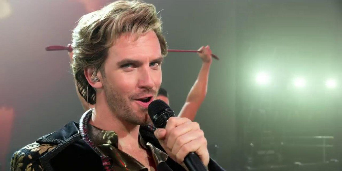 Dan Stevens in Eurovision Story Contest: The Story of the Fire Saga