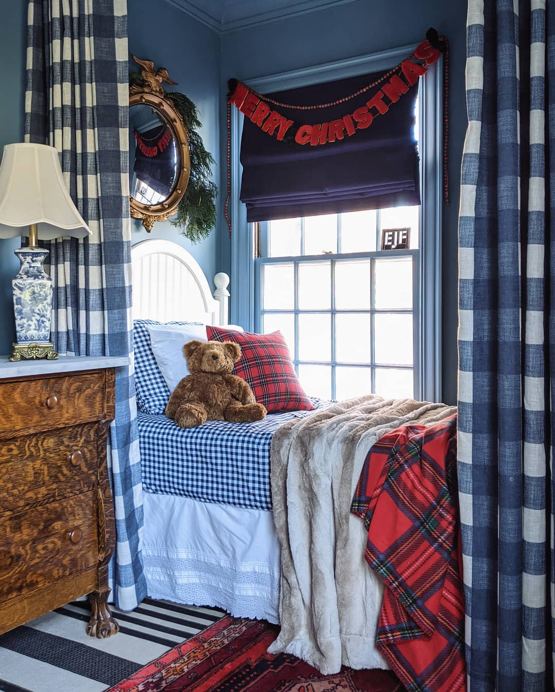 This vintage traditional blogger home might be the perfect Christmas house
