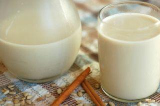 Milk in a glass, raw milk, health, dangers
