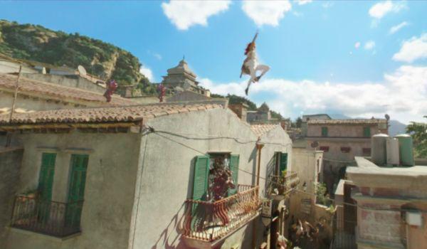 Amber Heard being chased in Aquman