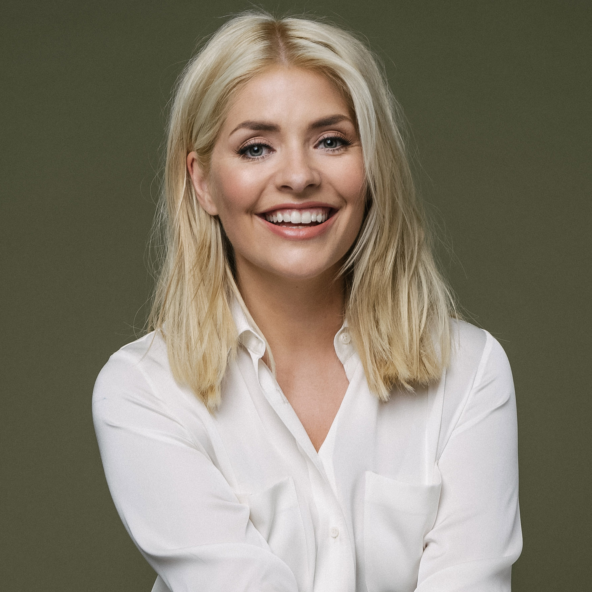 Holly Willoughby S Makeup And Skincare Beauty Buys And Secrets