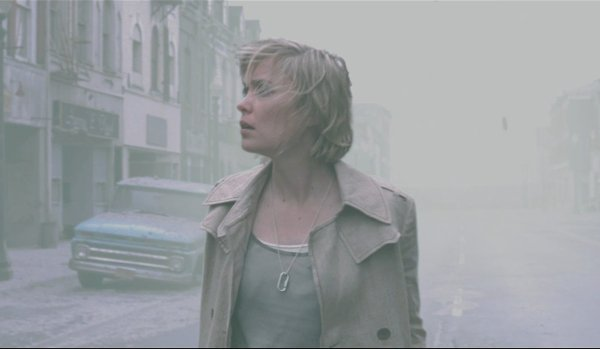 Silent Hill Radha Mitchell Rose walks the foggy streets