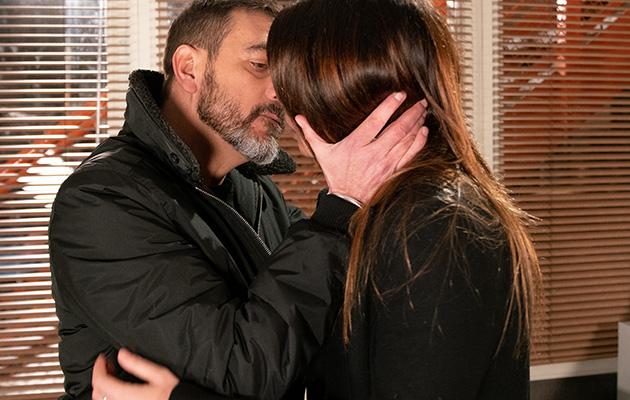 Peter Barlow sets his sights on Carla again.