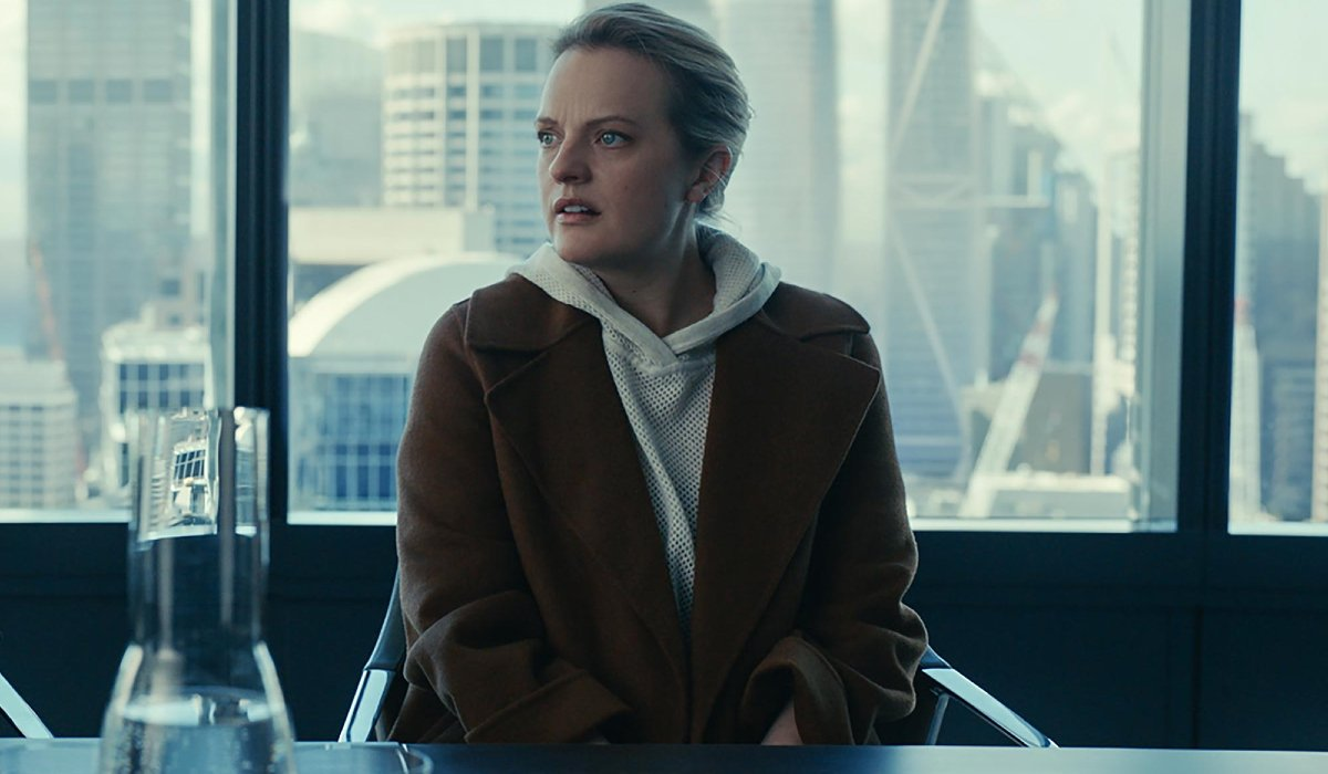 The Invisible Man Elizabeth Moss looks concerned at her lawyer's office