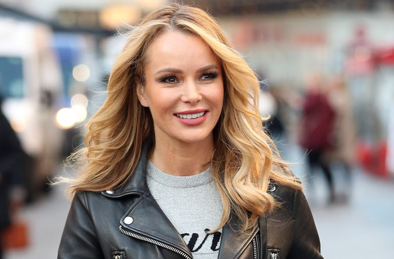 fans love amanda holden blouse