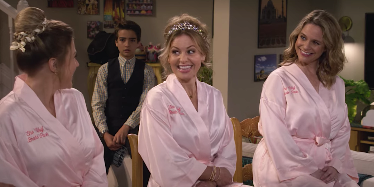 fuller house d.j. stephanie and kimmy in robes