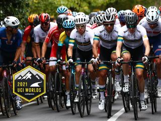 Australian team with Michael Matthews centre at the front of the peloton at the UCI Road World Championships in 2020