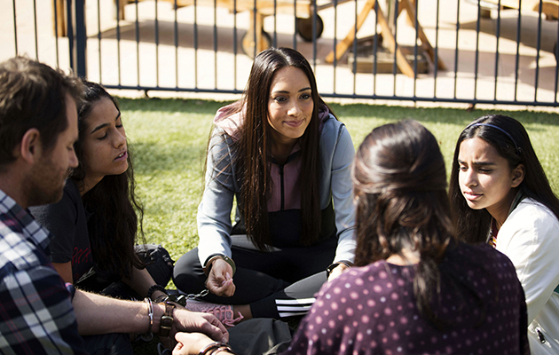 Mishti Sharma attempts to reconnect her family in Neighbours.