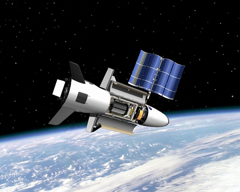 X-37B Military Space Plane's Latest Mystery Mission Hits 700 Days