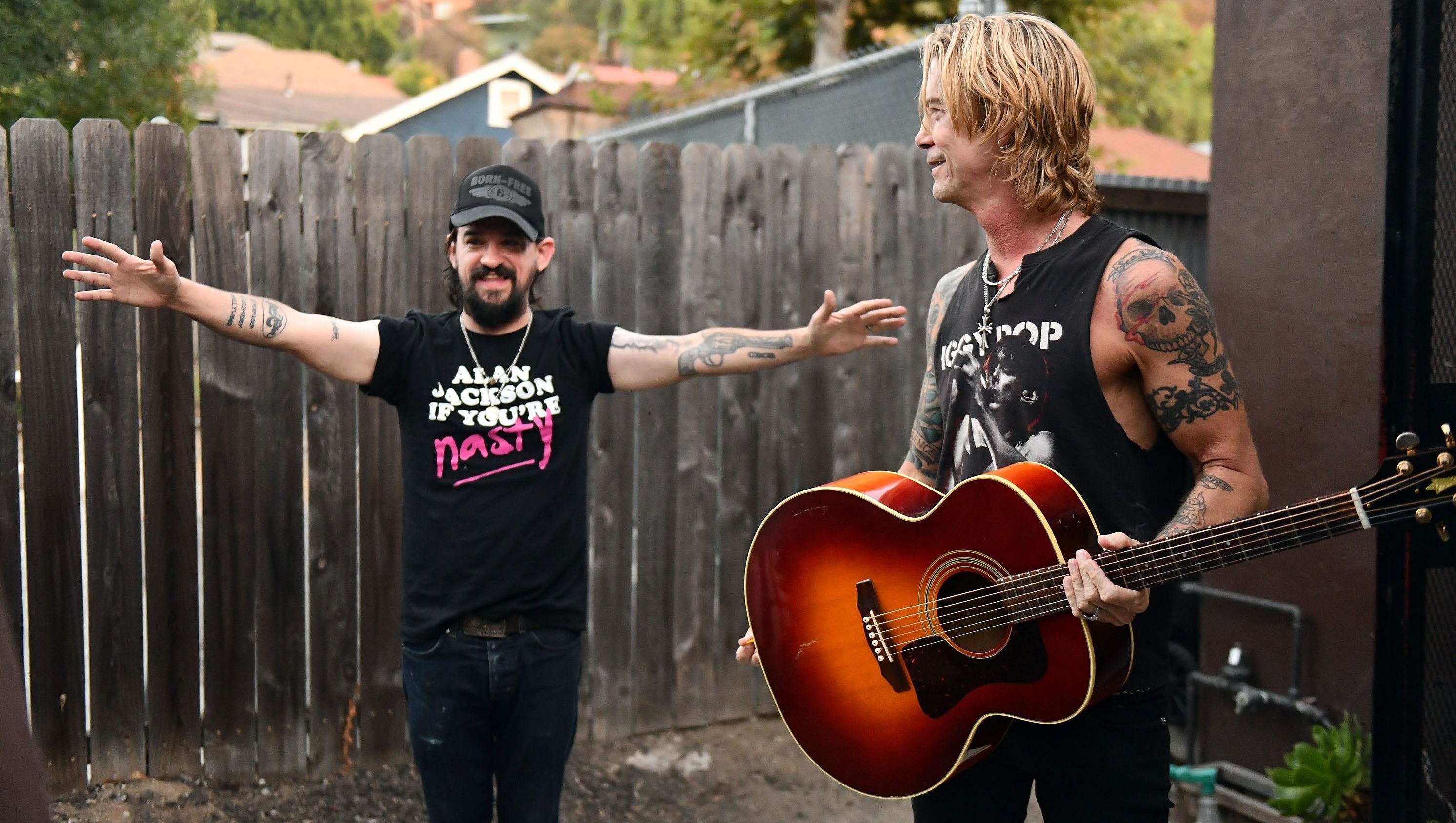 """Duff McKagan Premieres New Track, """"Don't Look Behind You"""""""