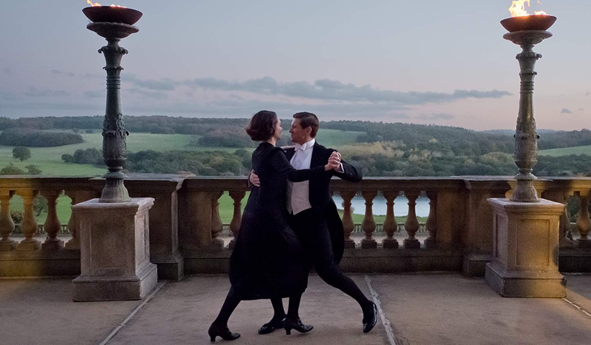 Downton Abbey Tom and Lucy dance on the terrace