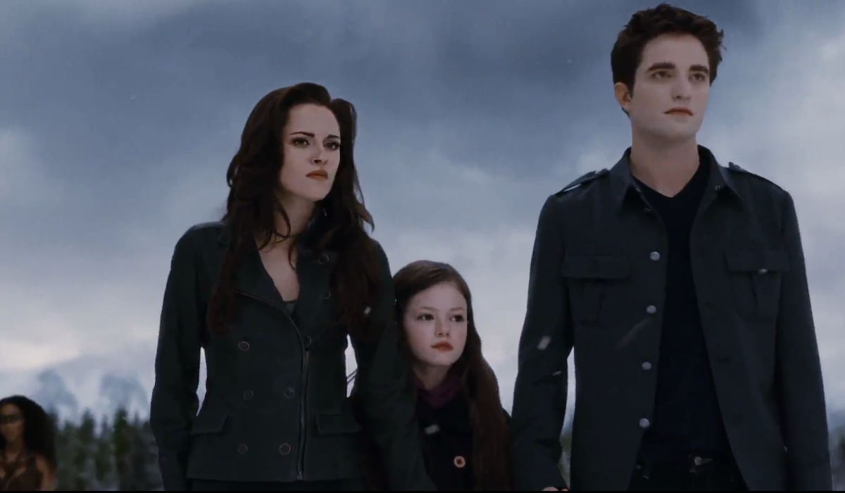 Kristen Stewart, Mackenzie Foy and Robert Pattinson in Breaking Dawn Part 2