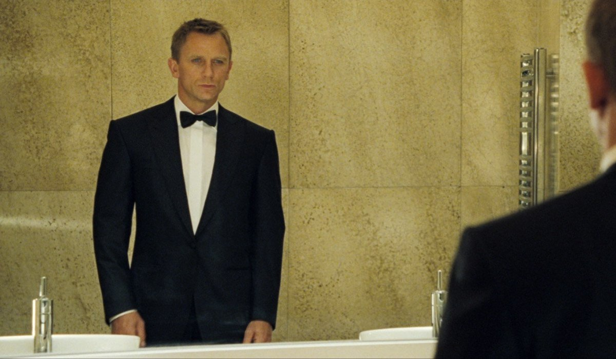 Daniel Craig wears his first dinner jacket in Casino Royale.