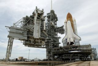 NASA Cleans Up Cargo for Hubble Shuttle Flight