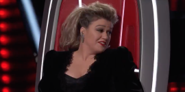 Watch The Voice's Kelly Clarkson Get Shut Down After Using Gwen Stefani Against Blake Shelton
