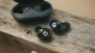 Should I buy Raycon earbuds? A look at the YouTube famous true wireless earbuds brand