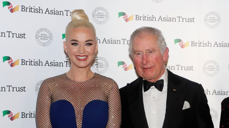 LONDON, UNITED KINGDOM - FEBRUARY 04: Prince Charles, Prince of Wales, Royal Founding Patron of the British Asian Trust, and his wife Camilla, Duchess of Cornwall, meet musician American Katy Perry (L) and Indian businesswoman Natasha Poonawalla as they arrive to attend a reception for supporters of the British Asian Trust on February 4, 2020 in London, England. (Photo by Kirsty Wigglesworth - WPA Pool/ Getty Images)