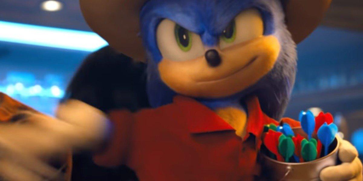 Sonic playing Darts